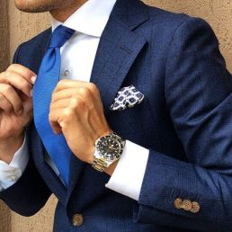 How To Wear A Navy Suit